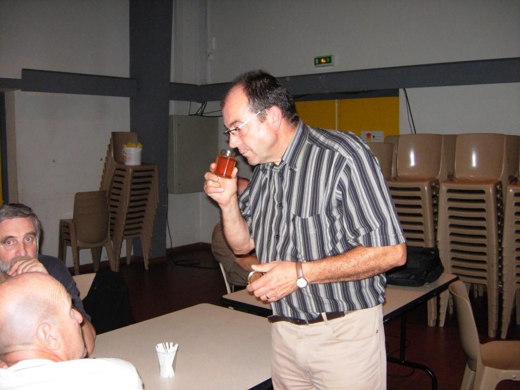 Mr Didier MOUCHET maître de l'atelier dégustation.